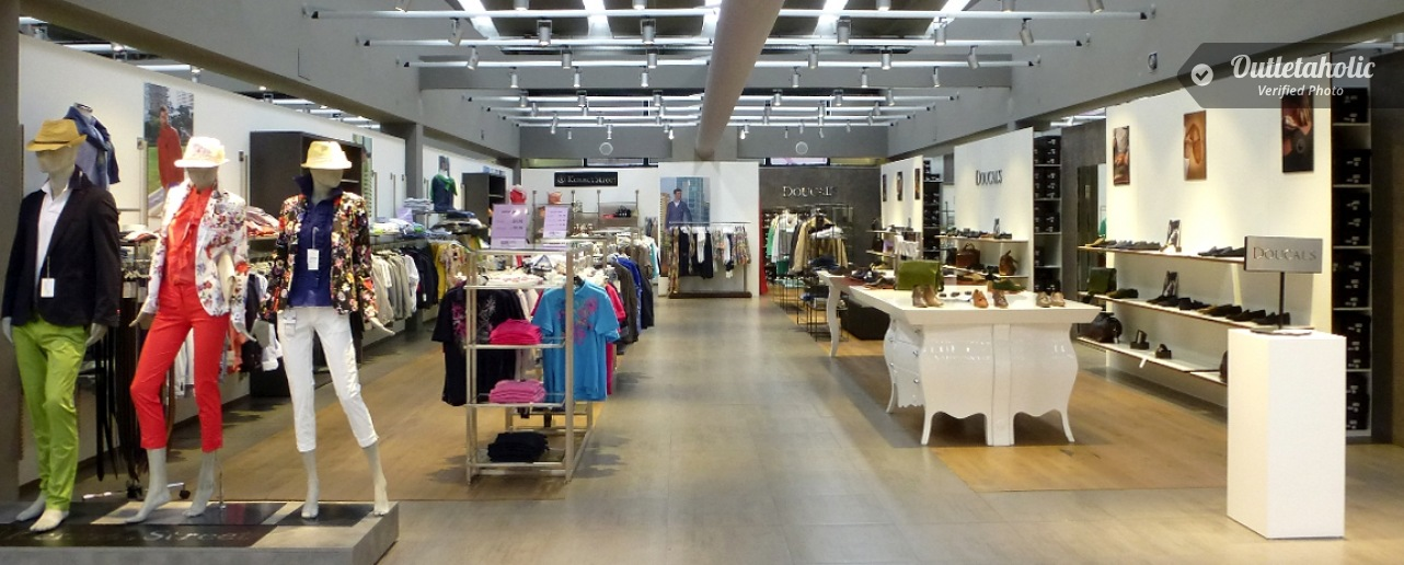 Photos of Doucal\'s Outlet, Big & Chic: San Marino Factory Outlet ...