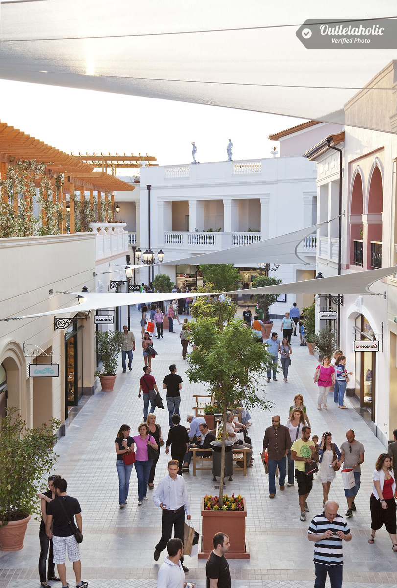 Photos of athens designer outlet attica greece for Outlet design