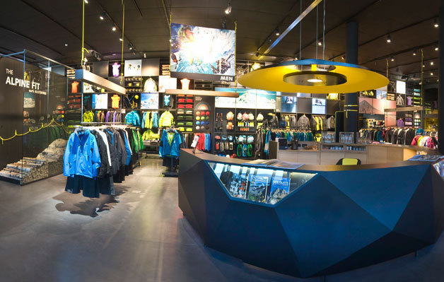 Photos of Salewa Outlet, Palmanova Outlet Village — Friuli-Venezia ...